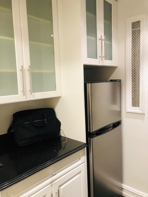 1 Bedroom, Lincoln Square Rental in NYC for $2,378 - Photo 2
