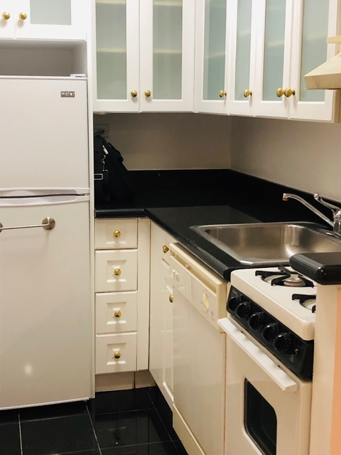 Studio, Lincoln Square Rental in NYC for $1,828 - Photo 1