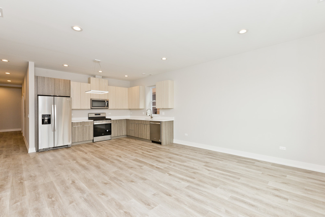 5 Bedrooms, West De Paul Rental in Chicago, IL for $5,350 - Photo 2