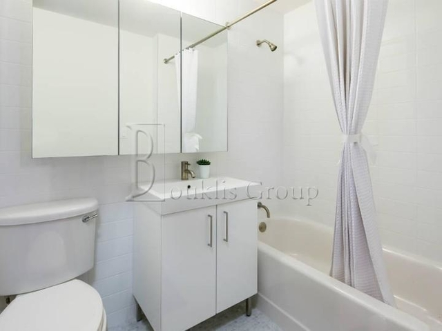 Studio, Financial District Rental in NYC for $2,299 - Photo 2