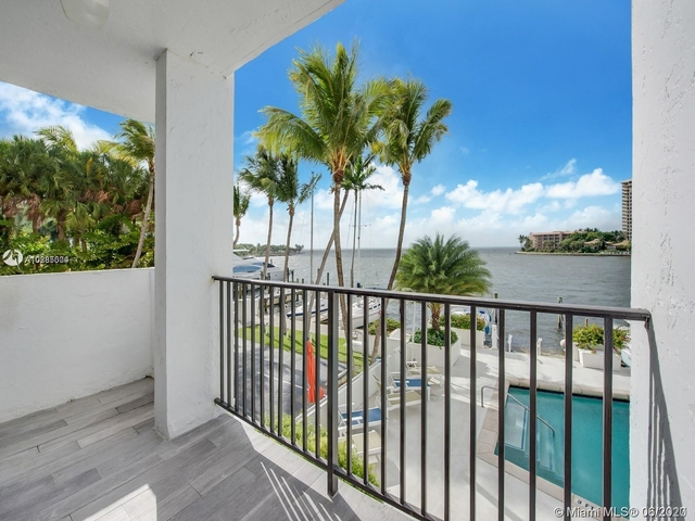 2 Bedrooms, Fairview Rental in Miami, FL for $4,200 - Photo 2