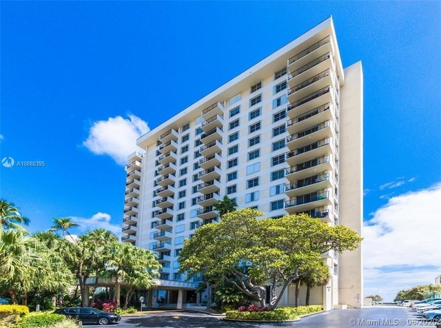 2 Bedrooms, Lauderdale-by-the-Sea Rental in Miami, FL for $2,450 - Photo 1