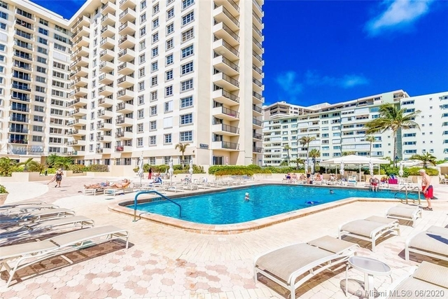 2 Bedrooms, Lauderdale-by-the-Sea Rental in Miami, FL for $2,450 - Photo 2