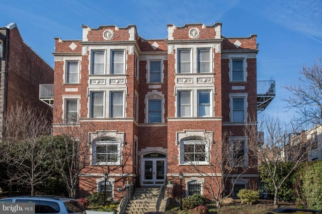 2 Bedrooms, Adams Morgan Rental in Washington, DC for $2,800 - Photo 1