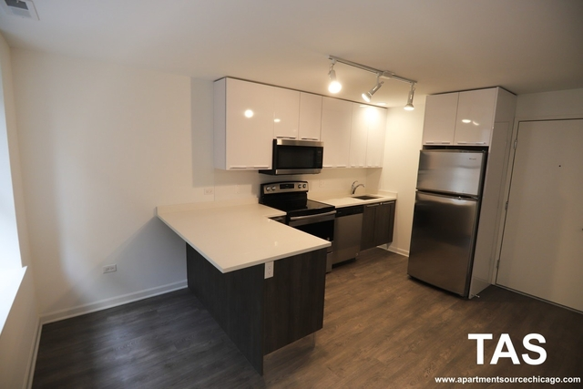 2 Bedrooms, Margate Park Rental in Chicago, IL for $1,700 - Photo 1