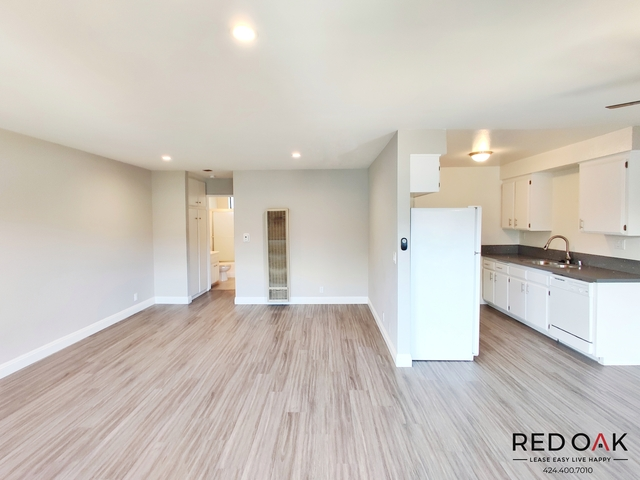 1 Bedroom, NoHo Arts District Rental in Los Angeles, CA for $1,750 - Photo 2