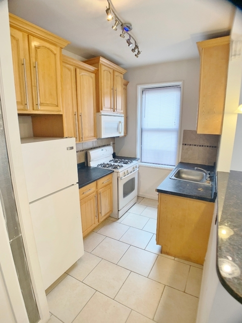 3 Bedrooms, Steinway Rental in NYC for $2,350 - Photo 1