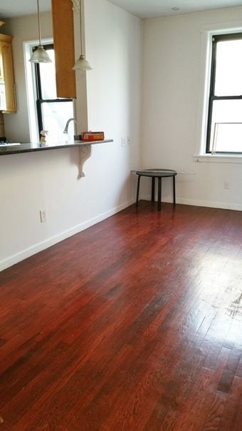 3 Bedrooms, Steinway Rental in NYC for $2,350 - Photo 2
