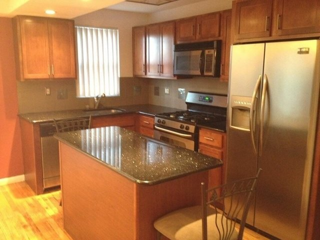 3 Bedrooms, Steinway Rental in NYC for $3,500 - Photo 1