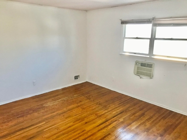 2 Bedrooms, Gravesend Rental in NYC for $1,999 - Photo 1