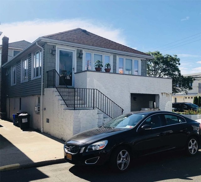 3 Bedrooms, West End Rental in Long Island, NY for $3,300 - Photo 1