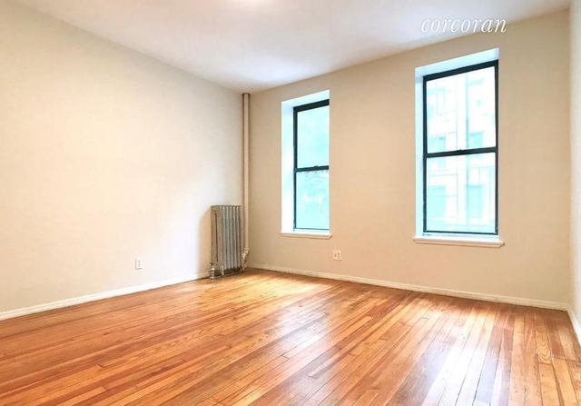 3 Bedrooms, Hell's Kitchen Rental in NYC for $3,000 - Photo 1