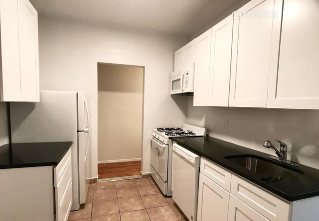3 Bedrooms, Hell's Kitchen Rental in NYC for $3,000 - Photo 2