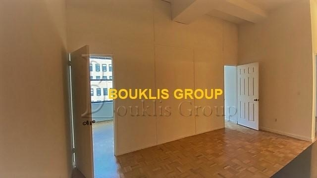 2 Bedrooms, Financial District Rental in NYC for $4,655 - Photo 2
