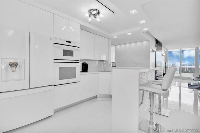 1 Bedroom, Omni International Rental in Miami, FL for $3,000 - Photo 2