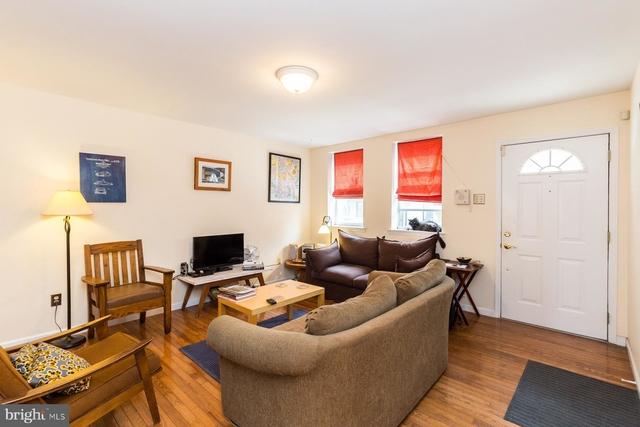 3 Bedrooms, Queen Village - Pennsport Rental in Philadelphia, PA for $2,350 - Photo 2