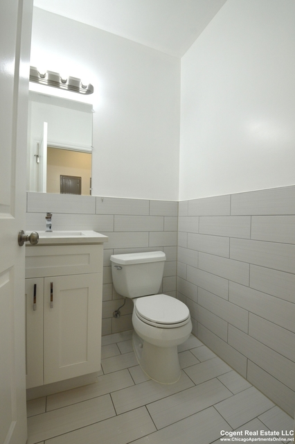 3 Bedrooms, North Center Rental in Chicago, IL for $1,950 - Photo 2