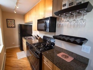 2 Bedrooms, Wrightwood Rental in Chicago, IL for $2,422 - Photo 2