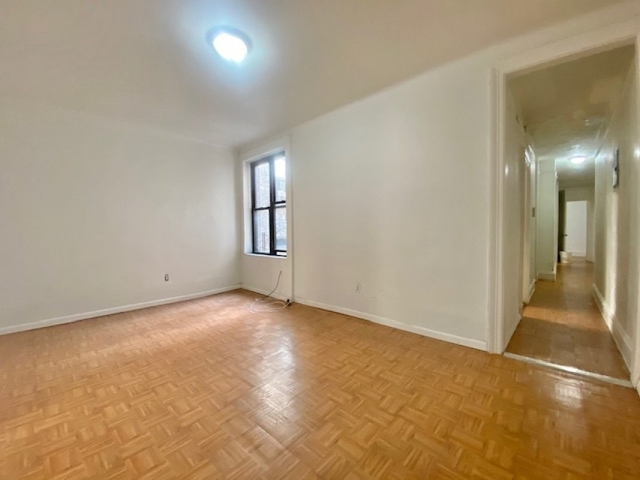 3 Bedrooms, Fort George Rental in NYC for $2,600 - Photo 2