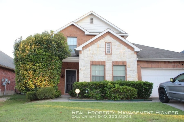 5 Bedrooms, President's Point Rental in Dallas for $2,100 - Photo 1