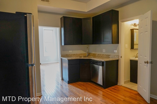 2 Bedrooms, Heart of Chicago Rental in Chicago, IL for $1,350 - Photo 2