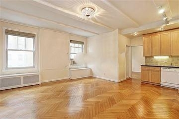 1 Bedroom, Lincoln Square Rental in NYC for $1,990 - Photo 1