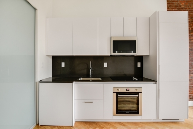 1 Bedroom, South Slope Rental in NYC for $2,775 - Photo 2