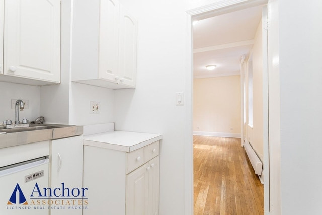 Studio, Hell's Kitchen Rental in NYC for $2,016 - Photo 1