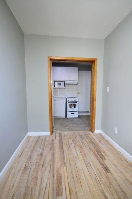3 Bedrooms, East Village Rental in NYC for $2,250 - Photo 1