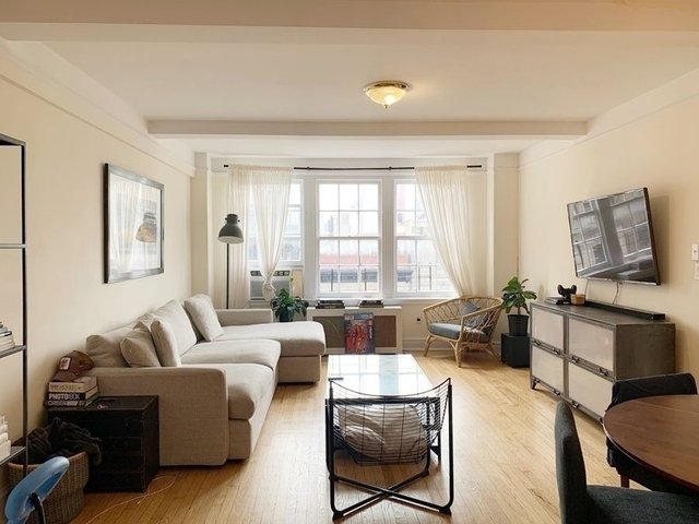 2 Bedrooms, Upper West Side Rental in NYC for $5,200 - Photo 1