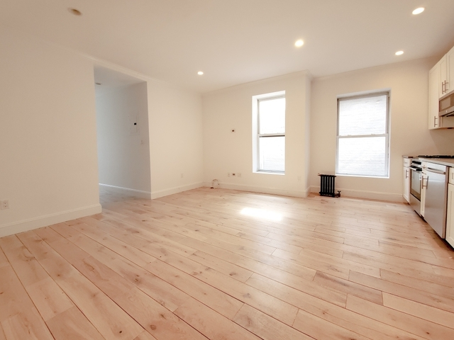 4 Bedrooms, Yorkville Rental in NYC for $5,700 - Photo 2