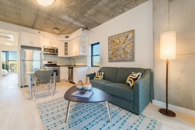 3 Bedrooms, Prospect Lefferts Gardens Rental in NYC for $3,166 - Photo 2