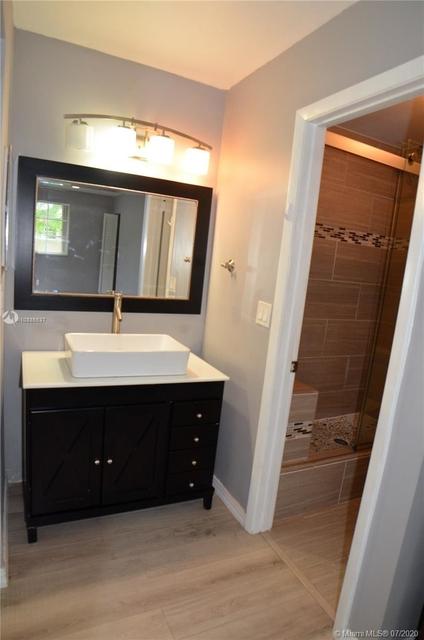 3 Bedrooms, Flamingo Gardens Rental in Miami, FL for $2,250 - Photo 2