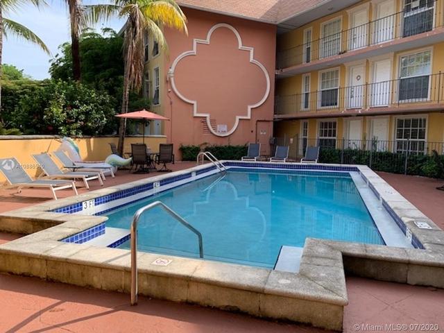 2 Bedrooms, Northeast Coconut Grove Rental in Miami, FL for $1,800 - Photo 1