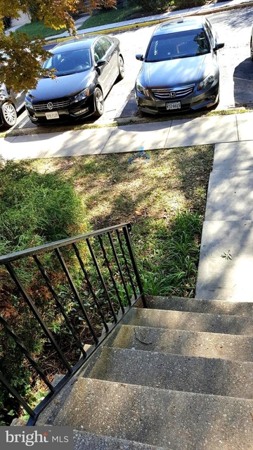 3 Bedrooms, McLean Rental in Washington, DC for $3,100 - Photo 2