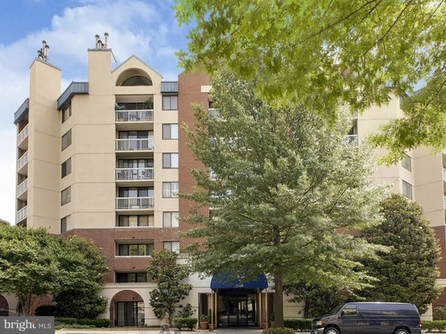 2 Bedrooms, Woodley Park Rental in Washington, DC for $3,130 - Photo 1