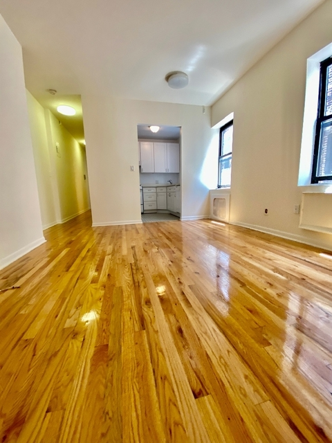 2 Bedrooms, Upper West Side Rental in NYC for $2,995 - Photo 1