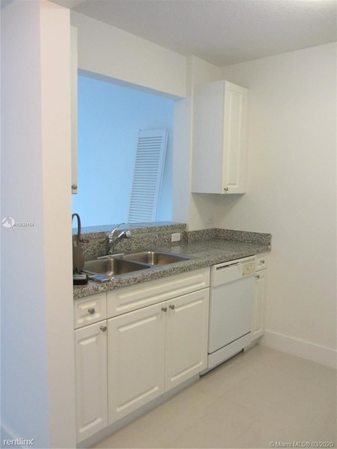 1 Bedroom, Riverview Rental in Miami, FL for $1,650 - Photo 2