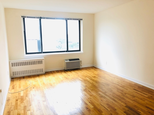 Studio, Yorkville Rental in NYC for $1,920 - Photo 1