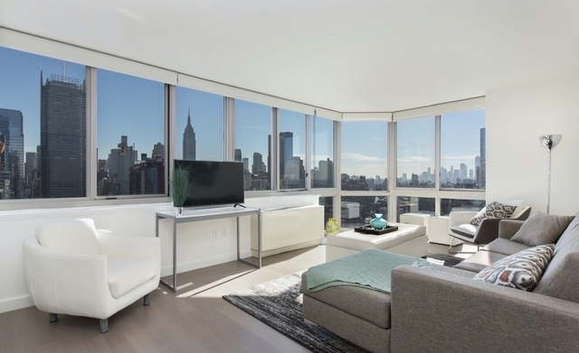 3 Bedrooms, Hell's Kitchen Rental in NYC for $4,999 - Photo 1
