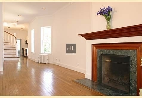 4 Bedrooms, Yorkville Rental in NYC for $7,475 - Photo 1