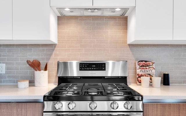 1 Bedroom, Astoria Rental in NYC for $2,800 - Photo 2