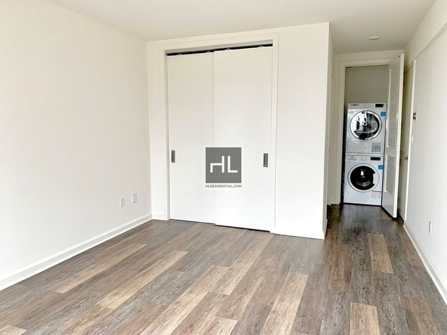 2 Bedrooms, Hell's Kitchen Rental in NYC for $4,755 - Photo 2