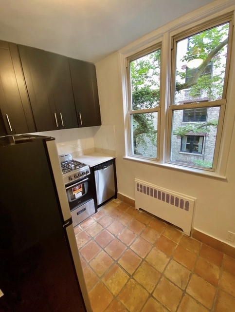 Studio, Lenox Hill Rental in NYC for $2,275 - Photo 2