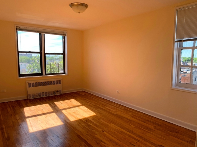 2 Bedrooms, Gravesend Rental in NYC for $2,250 - Photo 2