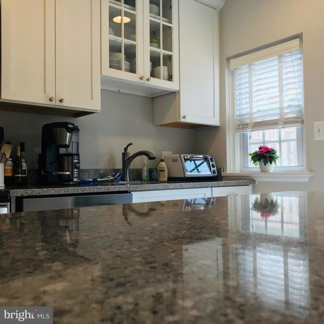 2 Bedrooms, Fairlington - Shirlington Rental in Washington, DC for $2,600 - Photo 2