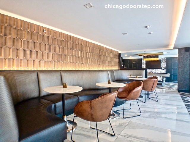 2 Bedrooms, Gold Coast Rental in Chicago, IL for $3,419 - Photo 2
