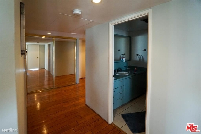 2 Bedrooms, Bunker Hill Rental in Los Angeles, CA for $3,200 - Photo 2