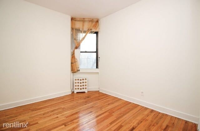 2 Bedrooms, Steinway Rental in NYC for $2,350 - Photo 2