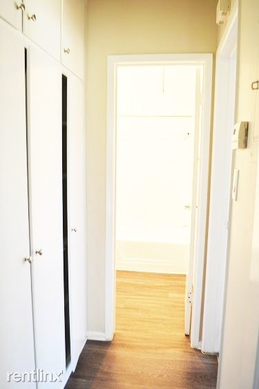 1 Bedroom, Playhouse District Rental in Los Angeles, CA for $1,700 - Photo 2